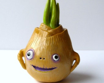 Delightful Polymer Clay Onion Decor   Fake Food Decor   Funny Veggie Figurine   Clay  Onion Sculpture