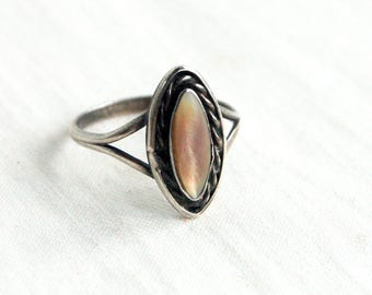 Mother of Pearl Ring Size 6 .75 Vintage Sterling Silver Champaign MOP Southwestern Marquise Boho Jewelry