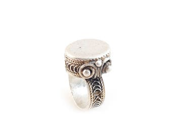 Impressive Fulani African Silver Ring Amulet with Filigree-Ring US Size 13, Mali