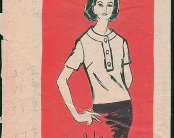 Nice Vintage 1960s Prominent Designer M496 Mr. John Sleeveless or Short Sleeve Blouse Sewing Pattern B34