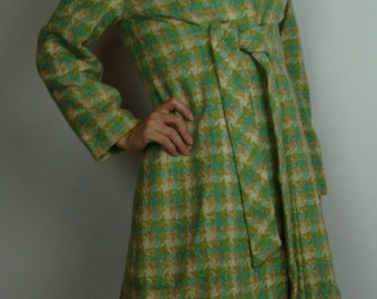beautiful colors VINTAGE 1960's COAT wool GREEN plaid aqua S M