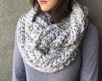 Chunky Knit Infinity Circle Scarf / Cozy Neutral Grey Crochet Cowl Scarf / Vegan Yarn