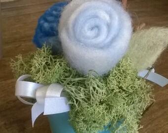 Wool roses in little pot
