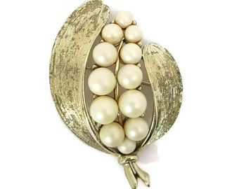 Pearl Brooch LISNER Distressed Jewelry Gold Lisner Brooch Pearl Brooches Wedding Jewelry Old Bridal Antique Jewelry Lisner Jewelry