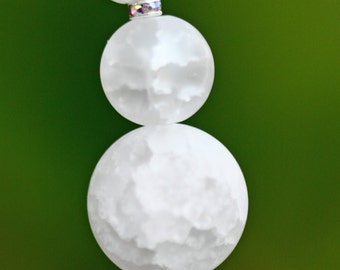 Snowman, beaded Christmas ornament, package decoration, round, glass beads, winter, frosted glass, hat, white and green, package decoration