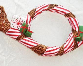 Musical Grapvine Trumpet Wreath - Holiday Home Decor