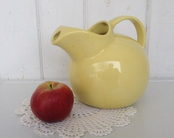 """Chefsware Ball Pitcher with Ice Guard Spout Yellow Marked on the bottom """"Chefsware USA 190"""" Coors Pottery"""