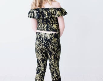 Gold on Black 'Growing Garden' Flutter Top