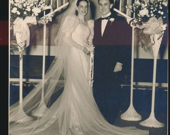 attractive 1940's black and white wedding photo, 8 x 10""