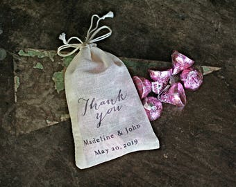 Wedding favor bags, set of 50 drawstring cotton bags. Thank You script with names and wedding date. Party favor, bridal shower favor bags.