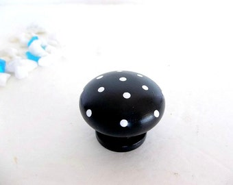 TWO set Polka Dot Cabinet Knobs Black & White handles knob Hand Painted Wood round dresser door drawer knobs Nail covers Cabinet pulls
