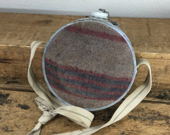 Vintage Oasis Blanket Canteen Blue Red Gray
