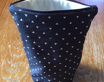 Extra Large Navy blue arrow Wet bag (Great to use with diaper bags and travel bags.)