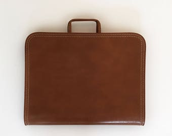 "Vintage Presentation Portfolio ~ Zippered Document Holder Briefcase Vinyl Coated Brown Carry Handles 16"" x 13"""