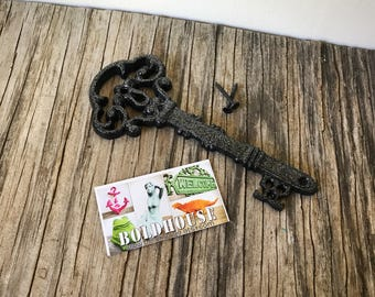 BOLD sparkly black silver glittered ORNATE skeleton KEY wall decor // hand painted cast iron // wall art // victorian cottage chic