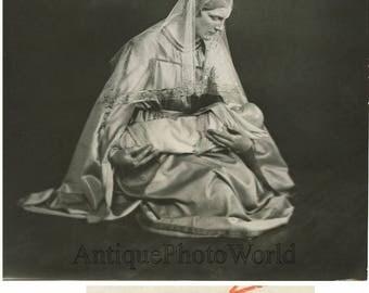 Mary Elizabeth Plehn as Virgin Mary antique art photo