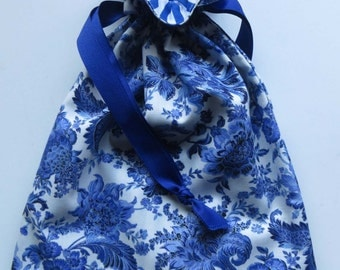 Blue Floral Lined Drawstring Fabric Gift Bag