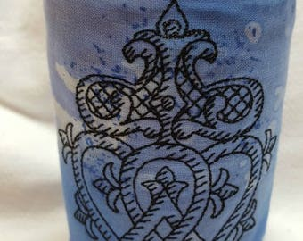 Embroidered Luckenbooth Can Cooler