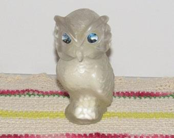 Avon Snow Owl, Moonwind Powder Sachet 3/4 full, Glass and Plastic