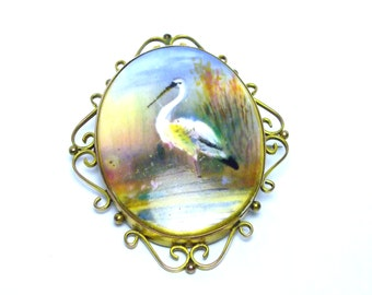 Antique Heron 9ct Yellow Gold Brooch Hand Painted Ceramic