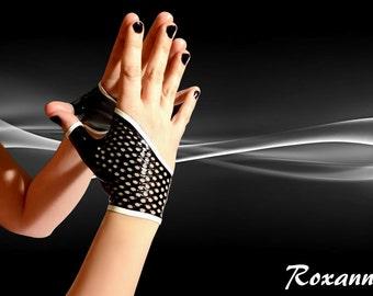Roxanna fingerless latex gloves