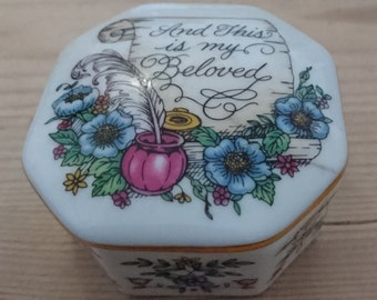 Vintage Franklin porcelain music box