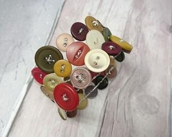 Muted colour mix wraparound button bracelet, vintage look button bracelet, memory wire bracelet, handmade button bracelet