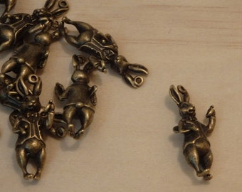 White Rabbit Pendants / Charms, 3D Large Antique Bronze Tone (Steampunk, victorian classic, alice in wonderland, books fantasy pocket watch)