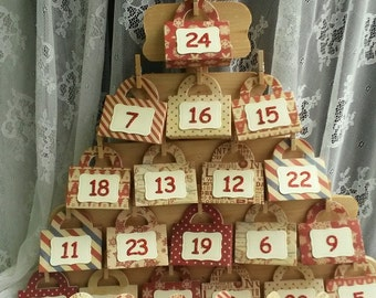 Christmas  Advent Calendar, Holiday Countdown Freestanding Decoration with Fancy Mini-purses, Wood Decoration