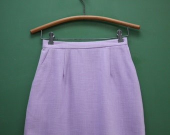 Vintage Pastel Purple Pencil Skirt/ Women's Size 6 [ 26 inch waist / Officewear/ Lined / Pockets / Rayon/ Fitted Simple]