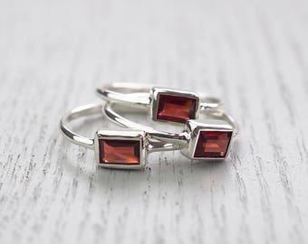 Minimalist ring Modern jewelry Red garnet ring Garnet ring Minimalist jewelry Edgy jewelry Modern ring Simple jewelry Red stone ring Garnet