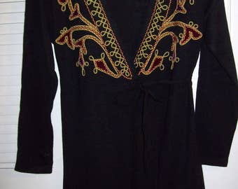 Vintage Carole Little Tunic Top, Low Cut Embroidered Trim.  Size Small  6 -8