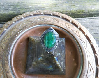 Green ring,natural emerald ring,size 6 1/4 ring,gemstone ring,gothic ring 925 silver ring,oxidized ring, green rings, emerald green ring