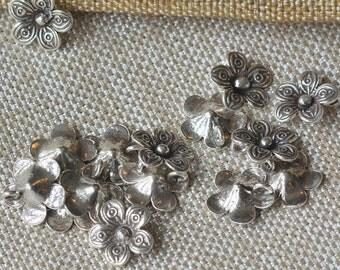 Hill Tribe Silver Daisy Charm, Thai Hill Tribe, Silver Flower Charm, Hill Tribe Charms, Artisan Silver Charms, Thai Charms, Pairs,AL16-304