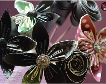 Paper Flowers - Bunch of 7 Flowers - Decor-flower with stem- Green - Red - Black
