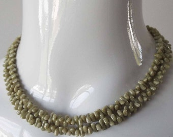 Vintage 1950's Pastel Green Double Strand Glass Bead Choker Necklace Rockabilly
