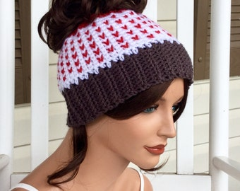 Valentine's Hearts Messy Bun Beanie, Messy Bun Hat with Little Hearts, Bun Beanie for Valentine's Day, Winter Ponytail Hat with Red Hearts