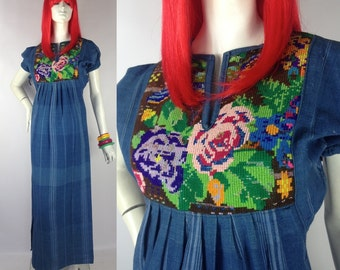 Vintage 1970s denim embroidery dress / smock / festival / Hippie