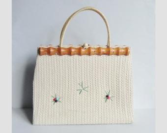 White 60s Vegan Vintage Hand Bag // Bomboo Cord Beads