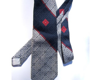 Vintage 1970s Necktie | Red, White & Blue Tie | Retro Menswear | Wide Width Polyester Tie | Diagonally Striped Men's Tie