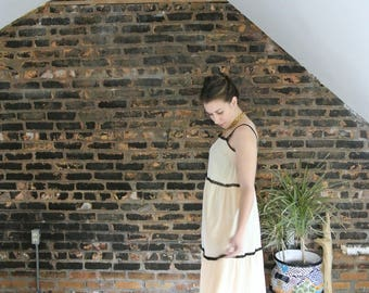60's Vintage || Sak's Fifth Avenue || Cream and Black Lace || Trapeze Maxi Dressing Gown || Vintage Nightgown || Designer Nightgown || 0388