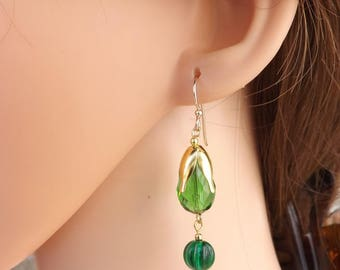 Green and gold fairy-style earrings, fairy earrings, green earrings, green drop earrings, summer earrings