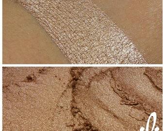 Cashmere - Metallic Beige Mineral Eyeshadow - ili