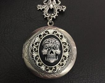 Sugar skull locket necklace, sugar skull cameo necklace, gothic necklace, day of the dead, cameo necklace, pirate necklace, chunky necklace