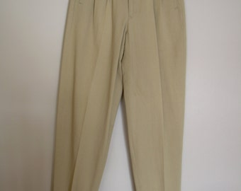 Mens Cotton PLEATED Pants CHINOS, Unworn Old Stock Sz. 30. Eggshell medium weight twill. Unhemmed Made in Hong Kong for Basco NYComfortable!
