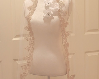 Gold fingertip bridal veil, bridal fingertip veil, wedding fingertip veil
