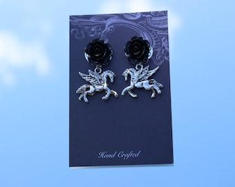 Black Earrings, Dark Earrings, Mystical Earrings, Goth earrings, Gothic Earrings, Dark jewellery, Haunted Jewellery, Creatures, Fictional