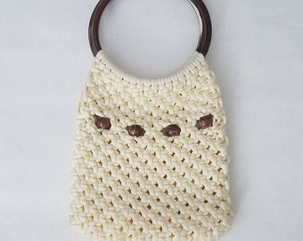 Vintage Cream Macrame Handbag - 1970's Knit Purse with Large Round Lucite Handles - Boho Hippie Gypsy Vibes - Marbleized Brown Beads