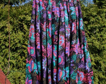 Vintage 80s colorful floral patterned long  skirt, 80s style, maxi skirt