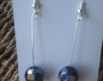 Purple hexagonal long bead earrings